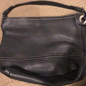 Handbags - Coach pocketbook